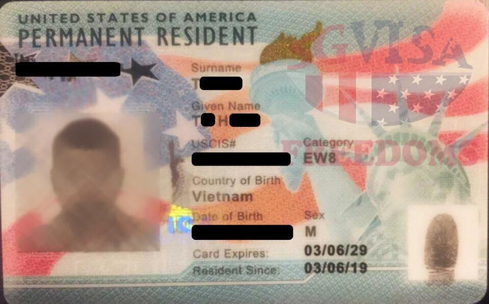KHÁCH HÀNG EB-3 CỦA SG VISA ĐƯỢC CẤP THẺ XANH GIỮA BỐI CẢNH DI TRÚ MỸ VẪN SIẾT CHẶT